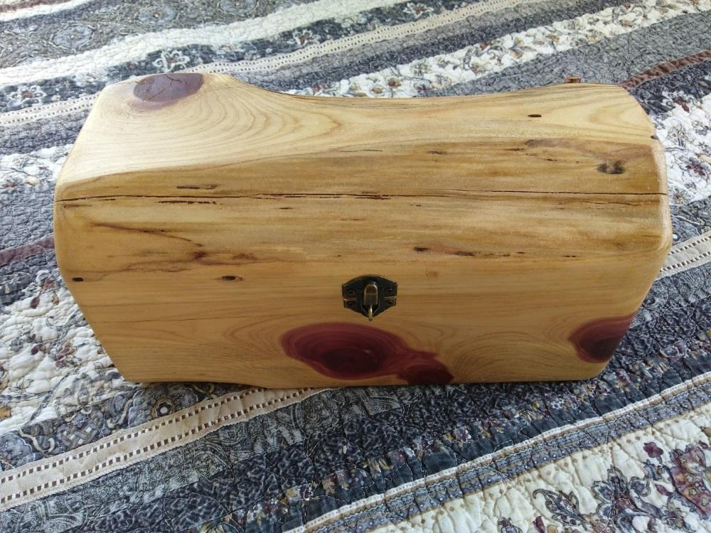 Rustic Cedar Log Chest - TinkerGryphon.com